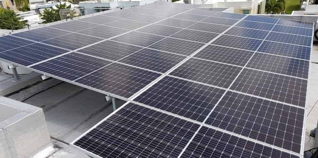 Mantenimiento placas solares, paneles solares, solar roots, energia renovable