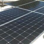 ¿Cómo afecta la inclinación de las placas solares a la producción con energía solar?