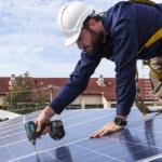 ¿Cómo se realiza el proceso de instalación de paneles solares?