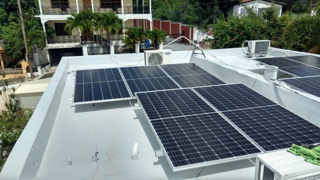 Instalación de Placas Solares en Urb. Mansiones de Coamo, PR 4