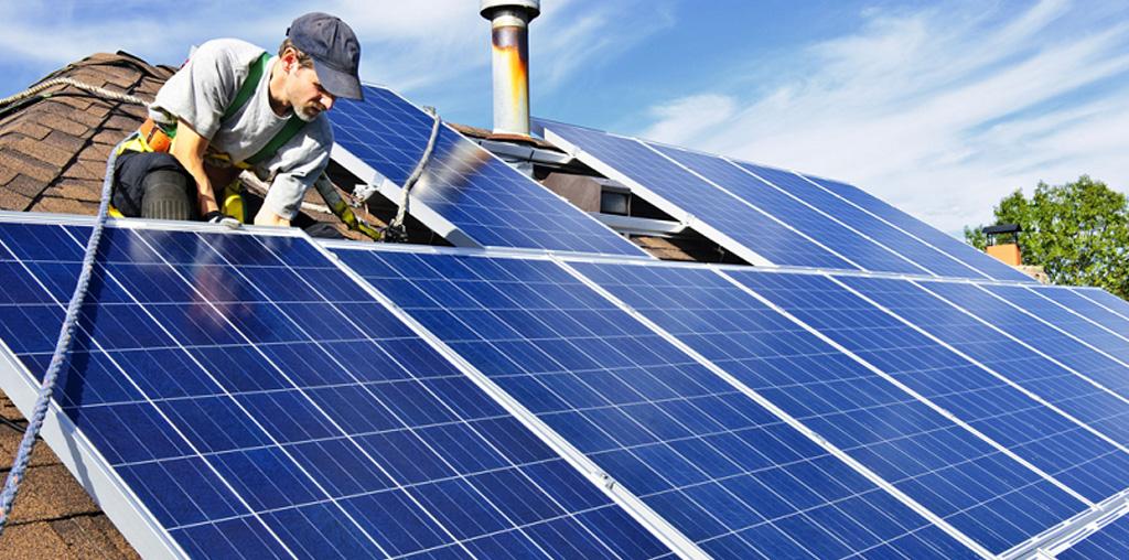 Consejos para cuidar los Paneles Solares - Roots Warranty